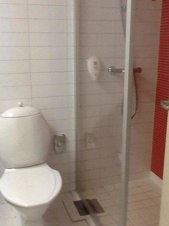 Park Inn by Radisson Pribaltiyskaya St Petersburg: ванная комната в стандартном номере