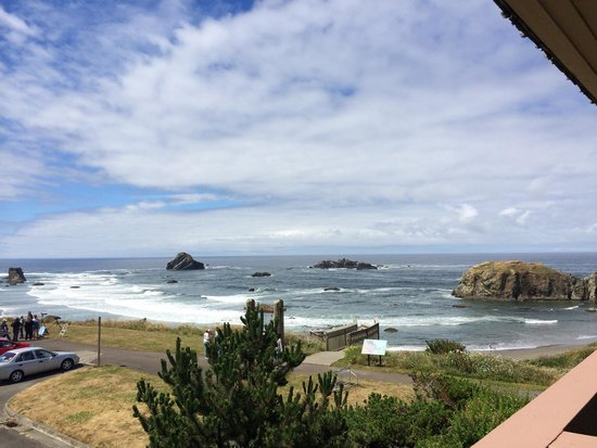 Bandon Beach Motel: View from our balcony.