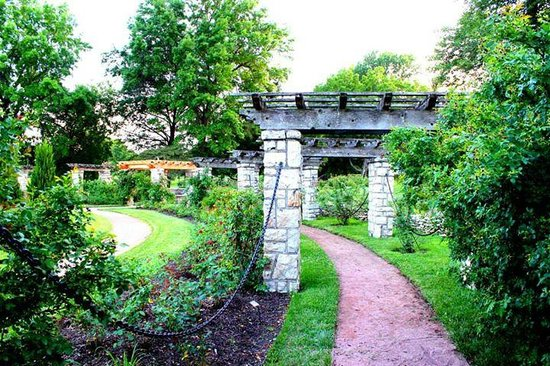 Loose Park : Rose Garden