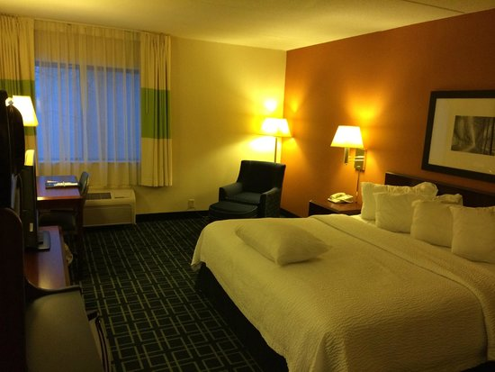 Fairfield Inn Albany East Greenbush : The king rooms are wonderful!