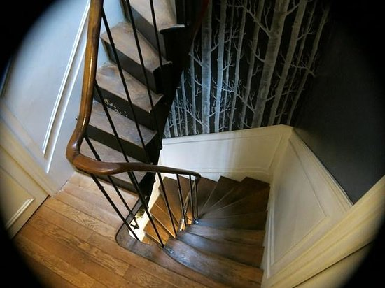 L'Hotel Particulier: Stairs