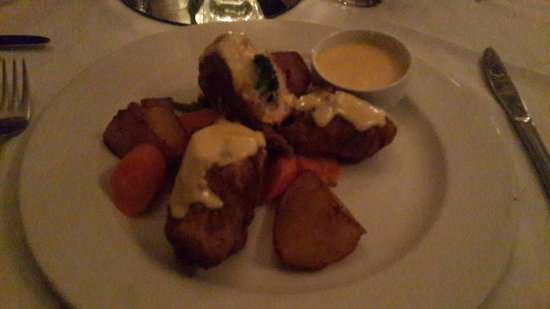 Clementines Restaurant and Bar: Chicken Roulade