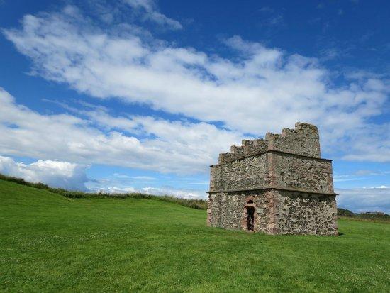 Tantallon Castle: dovecot