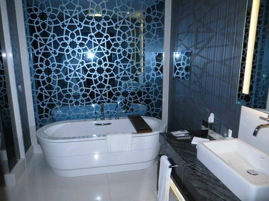 Le Meridien Istanbul Etiler: Bathroom