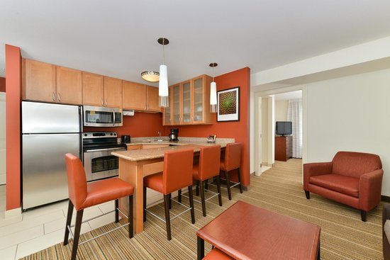 Residence Inn Coralville: Two Room Suite Living Room and Kitchen area.