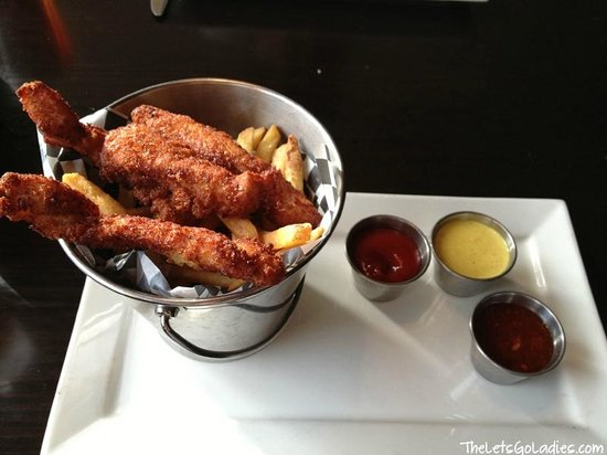 Jasper Brewing Company: Monkey fingers with fries! I swear that I dream about these.