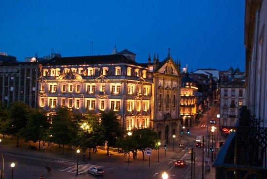 InterContinental Porto - Palacio das Cardosas: Vista nocturna desde la Habitación