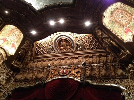 Oriental Theatre: view above the stage