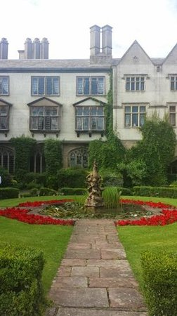 Coombe Abbey Hotel: Front of hotel