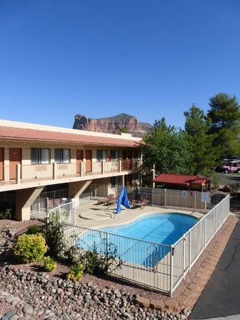 The Views Inn Sedona: Netter Pool