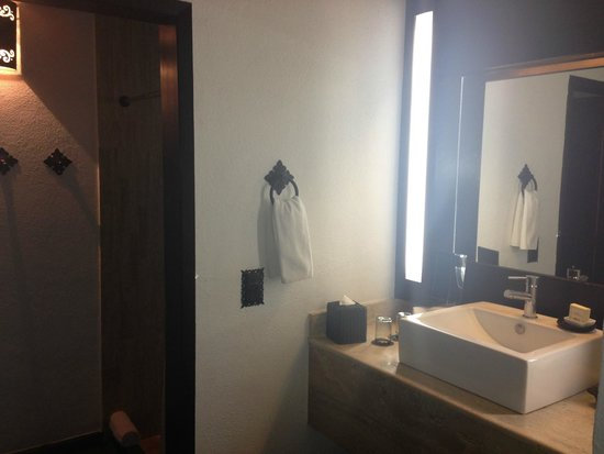 Bahia Hotel & Beach House: Bathroom