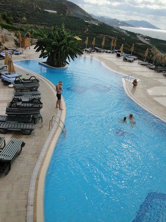 Utopia World Hotel: Бассейн один из 6