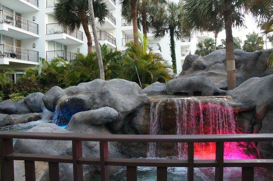 Aruba Marriott Resort & Stellaris Casino: fonte na piscina principal