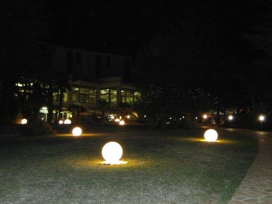 Valamar Crystal Hotel: Вечерний отель