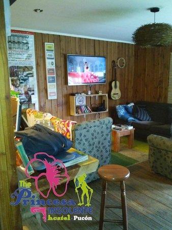 Princesa Insolente Hostel: Sala de TV