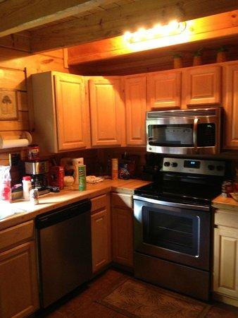 Buckeye Cabins: Kitchen