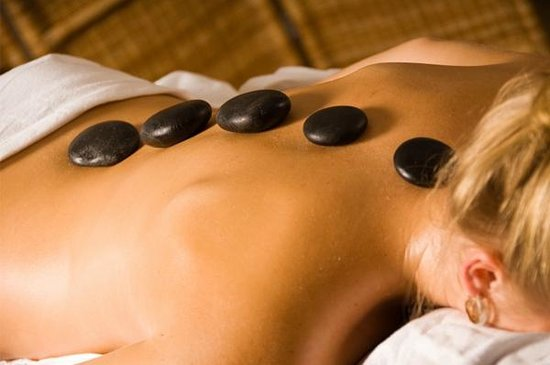 Sunny Hill Resort and Golf Course : Day Spa offers Hot Stone Massages