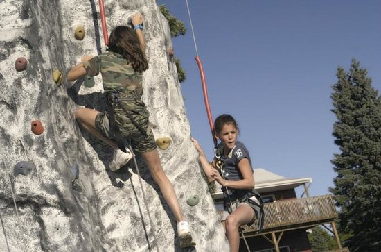 Sunny Hill Resort and Golf Course : Rock Climbing Wall