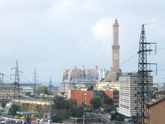 Holiday Inn Genoa City : HI Genova - View out of Guestroom Window II