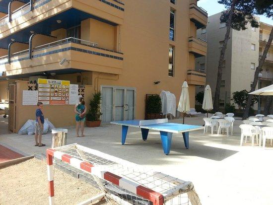 4R Playa Park : Теннисный стол