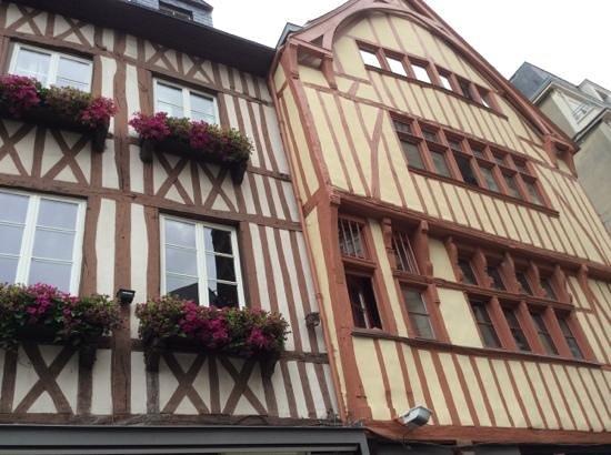 Rue Saint-Romain : Buildings