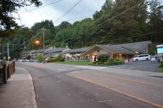 Street view picture of jack huff 39 s gatlinburg tripadvisor for Motor lodge gatlinburg tn