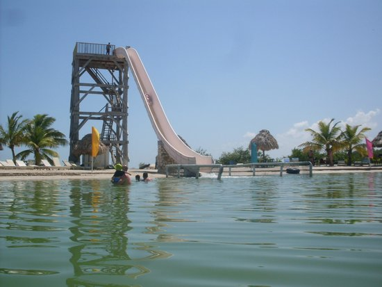 Cucumber Beach : Slide