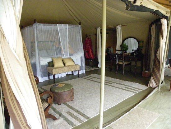 Mara Ngenche Safari Camp: Luxurious room :0)