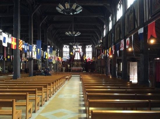 Église Sainte-Catherine : Inside the church