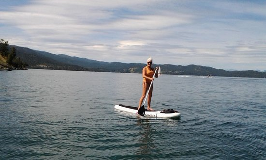 Flathead Lake State Park: Beautiful day for a paddle board on the lake!