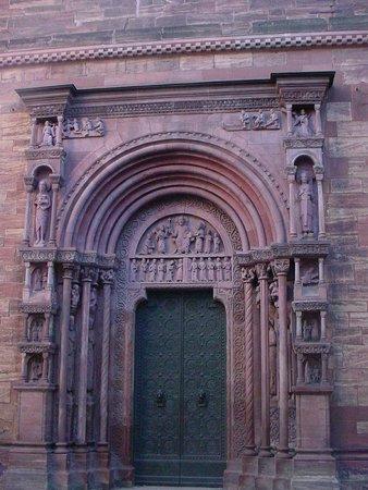 Basler Münster: Imponente porta