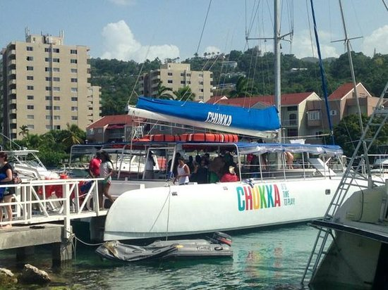 Sandals Ochi Beach Resort: Chukka Catamaran (Party Sail Boat, snorkeling and Dunn's Fall)