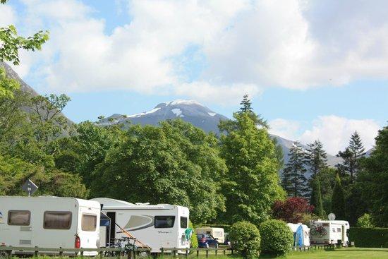 Glen Nevis Caravan and Camping Park: The hills at Glen Nevis