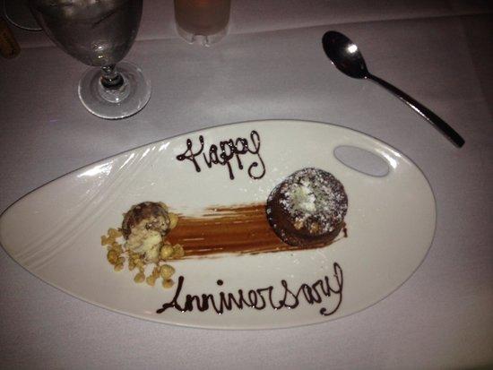 Perla : Happy Anniversary Dessert
