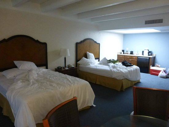Days Inn & Suites Scottsdale North: Suite/Doppelzimmer mit Kitchenette im Verde Building