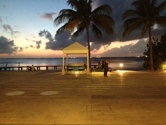 La Isla Shopping Village : Lagoa do shopping