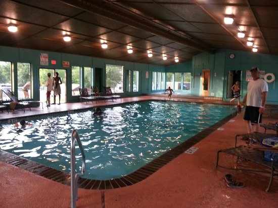Hill Country Cottage and RV Resort : Indoor Pool, Hot tub & Sauna