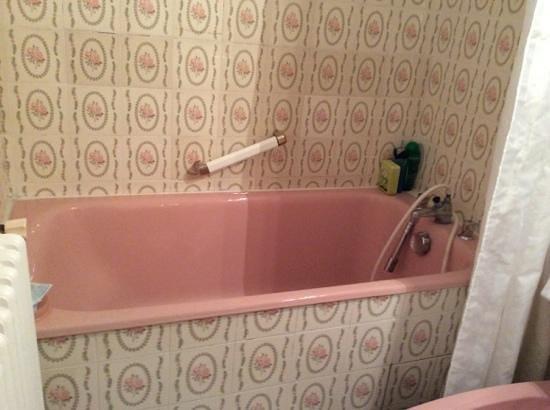 Hotel Restaurant Les Cimes : salle de bains