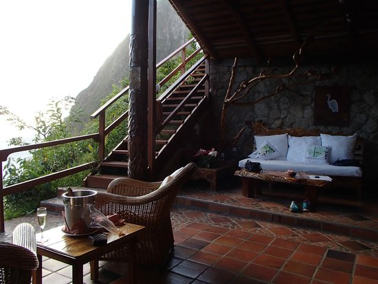 Ladera Resort : Open air living room with the best views of the Pitons