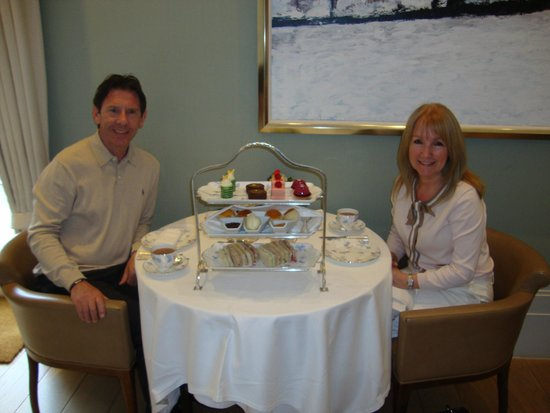Coworth Park - Dorchester Collection: Fabulous afternoon tea