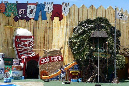 SeaWorld San Diego : The Pet Show is very funny.