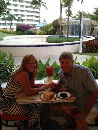 Melia Nassau Beach - All Inclusive: Early dinner