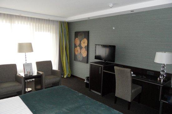 Hotel 's-Hertogenbosch-Vught: bureau + TV