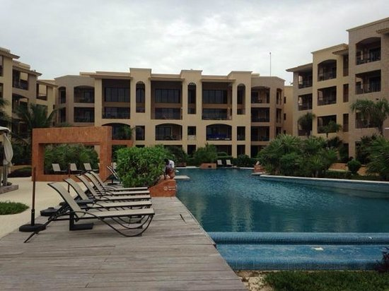 Residences El Faro: Pool