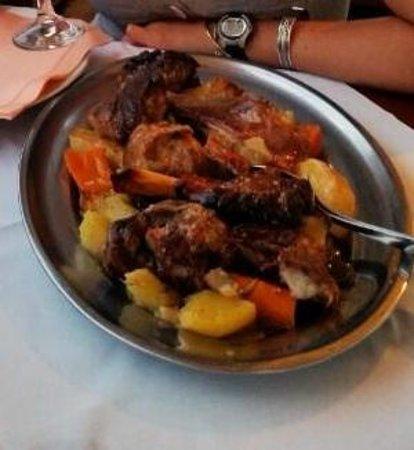 Konoba Komin: Peka lamb - Delux! With potatoes and veggies