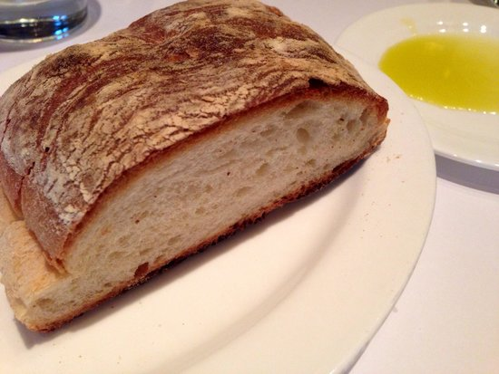 Bistro Don Giovanni: Free bread