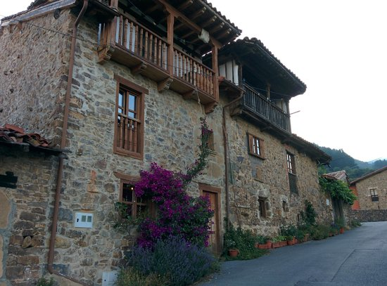 Casa Gustavo Holiday Accommodation in the Picos de Europa: The exterior of Casa Gustavo