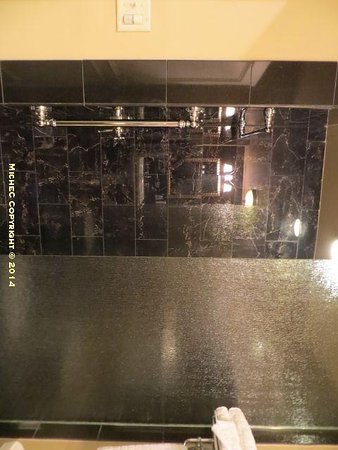 Hotel Mazarin : Shower