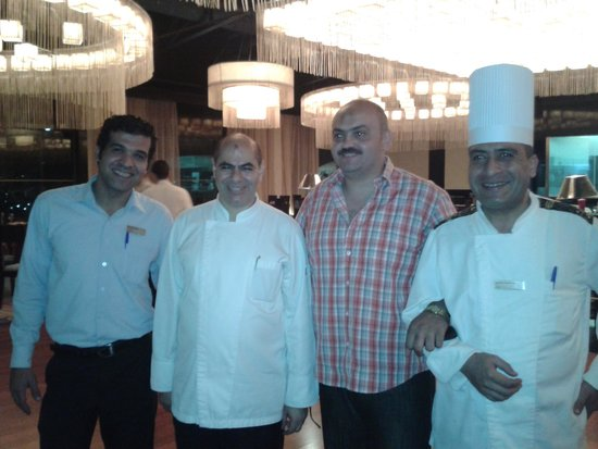 Hilton Hurghada Long Beach Resort: الشيف أحمد هندى والشيف كريم الجزار ومستر هشام وحفاوة الترحيب