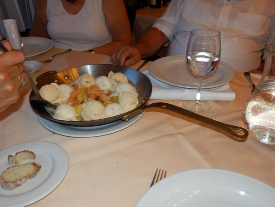 Múzeum Cafe and Restaurant : especially arranged desert: cooked fruits wth ice cream